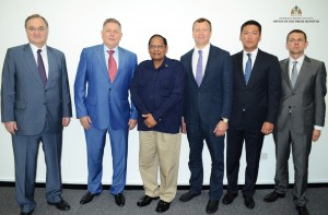 Prime Minister Moses Nagamootoo (centre) and the Russian delegation.