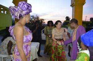 : Mr. Eric Phillips welcomes First Lady, Mrs. Sandra Granger to the Sikukuu ya-Mwaka, earlier this evening at the Akwaaba Centre, Thomas Lands as Mistress of Ceremonies, Ms Shabakie Fernandes (first left) and Ms. Trovina Ellis (first, right) look on.